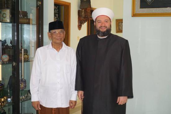 K.H Hasyim  Muzadi-2